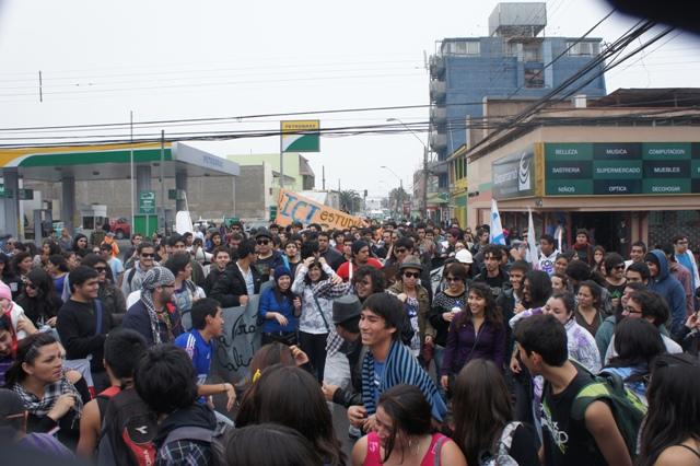 Marcha pacífica en Iquique. Incidentes vinieron después