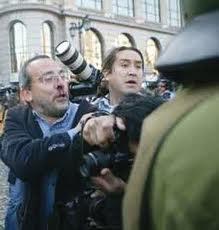 Reporteros gráficos acusan a Fuerzas Especiales de Carabineros de obstaculizar su labor