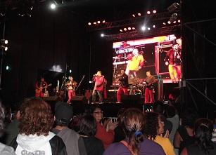 Tommy Rey cerró el Festival de la Voz en caleta de Chanavayita