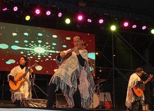 Éxito total: Expo Mamiña 2015 reunió a más de 2.800 personas que bailaron junto a Los Kjarcas,  Chico Trujillo y Candela