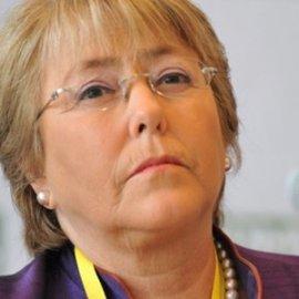 Un 62% alcanza desaprobación a Presidenta Bachelet, según sondeo de consultora Plaza Pública