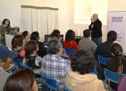 Realizan en Pozo Almonte seminario para fortalecer la agricultura en Tarapacá