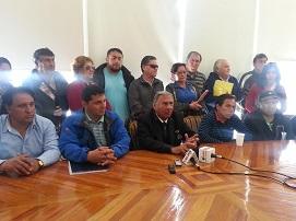Alcalde Soria junto a transportistas, portuarios y organizaciones sociales anuncian Cabildo Abierto