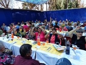 """En Pozo Almonte, más de 200 adultos mayores  también """"Pasaron Agosto"""""""