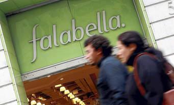 Iquique: Justicia condenó a Falabella por tratos abusivo de guardia de seguridad a consumidor y su familia