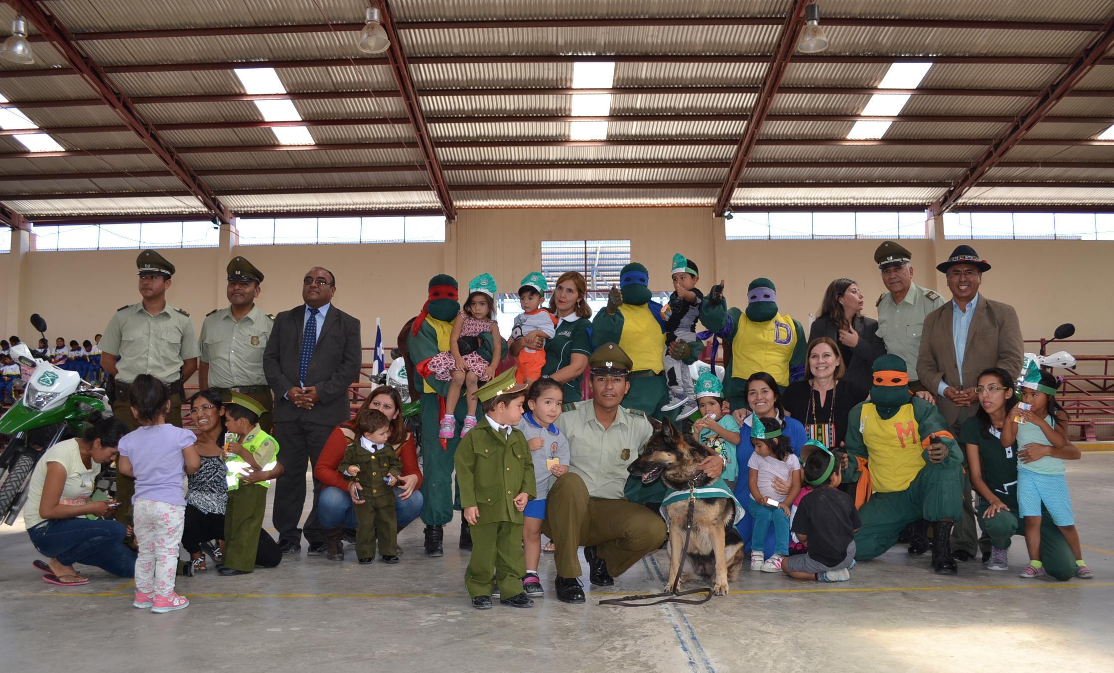 Carabineros celebró su aniversario junto a niños quechua