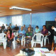 """48 familitas recibieron kit de ahorro energético: Caleta Chipana se sumó al programa """"Mi Hogar Eficiente"""""""