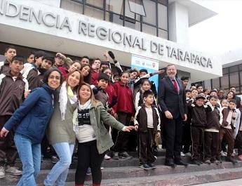 Estudiantes y docentes de Escuela Francisco Forgione realizaron viaje a la caleta de Pisagua