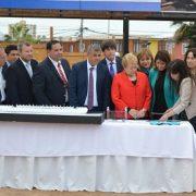 Presidenta Bachelet junto al alcalde Mauricio Soria, colocan la primera piedra del nuevo estadio «Tierra de Campeones»