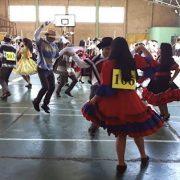 """Comunidad escolar del Liceo """"Aníbal Pinto Garmendia"""" cerróMes de la Patria con la """"Cuecatón"""""""