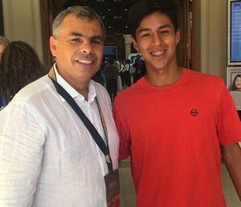 Tenista iquiqueño Hanamichi Carvajal recibe apoyo municipal para trasladarse a Canadá donde profesionalizará su carrera.