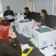 En medio de tensa situación, continúa proceso de regularización de migrantes en Gobernación Provincial
