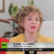 Escritora Isabel Allende: ¿Es una invasión cuando la gente huye de la pobreza y la violencia?