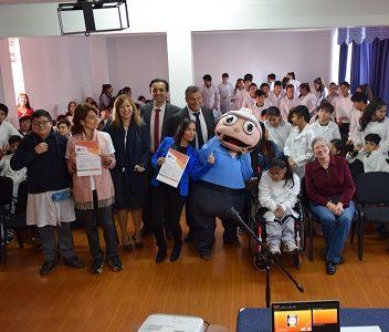 300 estudiantes de séptimos y octavos, de la escuela Paula Jara Quemada participaron en jornada de educación inclusiva