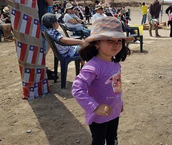 Familia pampina y visitantes, se reúnen en Salitrera Humberstone para celebrar Fiestas Patrias, tal como se hacía en las salitreras
