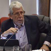 Consejero Pedro Cisternas señala que el nivel central toma medidas erráticas y pone en riesgo a la población de otra ciudad