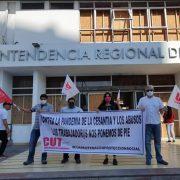 Una Mesa Laboral e implementar una cuarentena con protección social,  exije la CUT Tarapacá al Intendente Quezada.