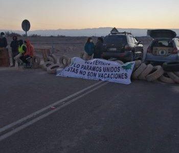Mientras se mantienen en Tarapacá, 21 casos positivos de Covid 19, en La Tirana realizan barricadas para proteger a la población